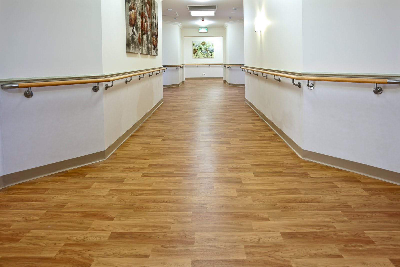 Pvc skirting SERVICES Abu Dhabi
